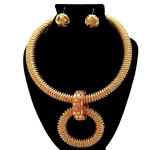 Double Spiral Necklace Set